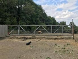 12.5m farm gate