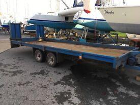Flat bed / car trailer