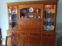 LARGE QUALITY HAND MADE DISPLAY CABINET COCKTAIL CABINET WITH LIGHTING FREE LOCAL DELIVERY