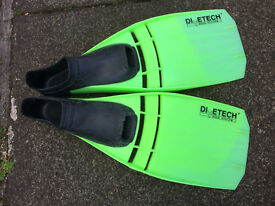 Swim fins flippers diving snorkelling size 9-10