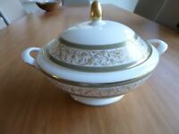 ROYAL MINTON ARAGON COMPLETE DINNER AND TEA SERVICE 62 PIECES