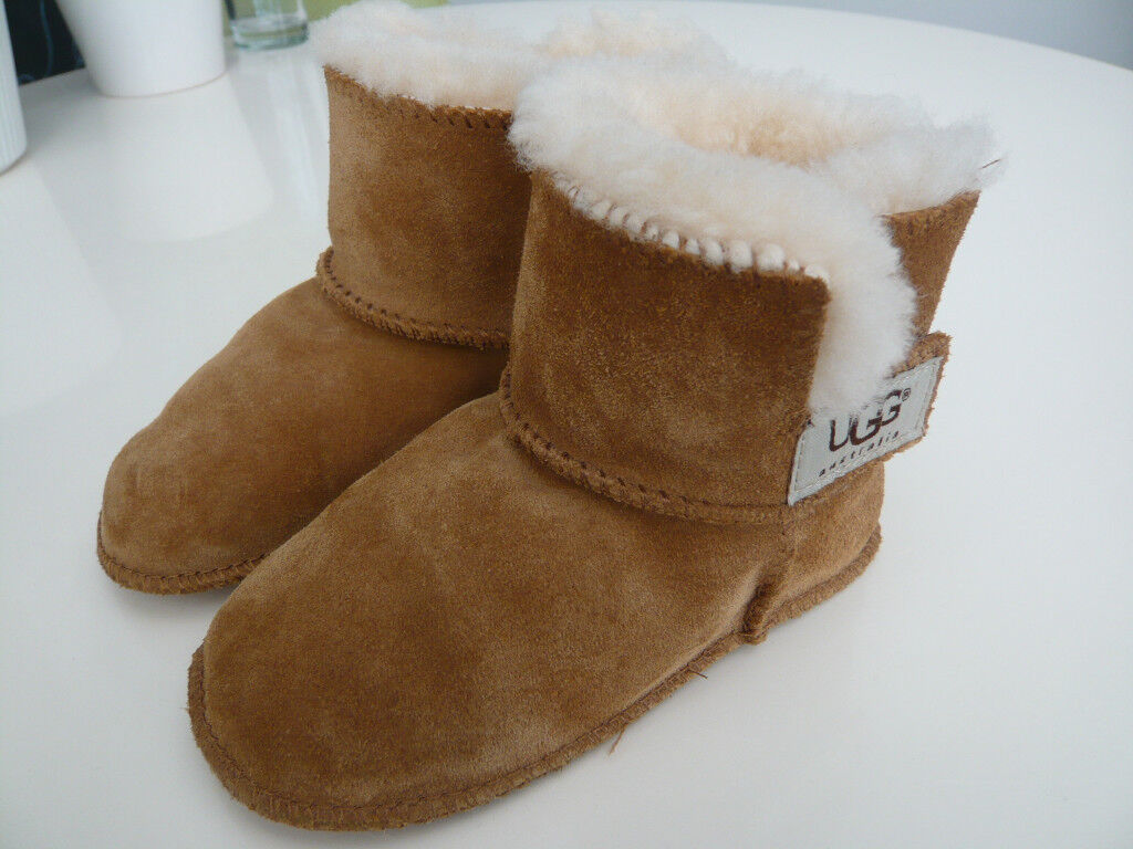 Ugg Australia Baby Erin Boots 5202 in Chestnut – Size Large 18-24 months
