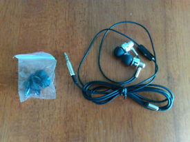 3.5mm Super Bass In-Ear Stereo Headset