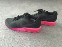 Brand new . Never worn size 5 Ladies Nike Trainers.