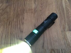Incredibly Bright USB rechargeable Flashlight (XM-L T6 LED, 1500 Lumen, five mode)