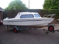 Lovely 2 berth cabin cruiser/ Day boat with Motor and Trailer