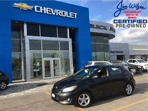 2014 Toyota Matrix ONE OWNER LOW KMS SUNROOF ALLOYS VERY CLEAN!!