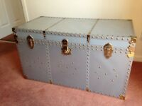 Used Beautiful piece of Furniture suitable as Blanket/storage box or Lamp table