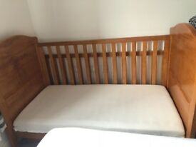 Winnie the Pooh cot bed with mattress and matching bumper and quilt