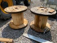 1 AVAILABLE Used cable drum reel table / stand. Approx 600 high x 700 widr