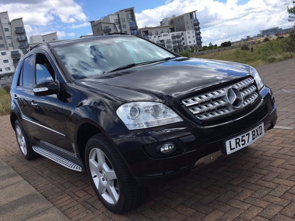 2008 mercedes ml 320 cdi sport a black amg navi dvd reverse camera in leith walk. Black Bedroom Furniture Sets. Home Design Ideas