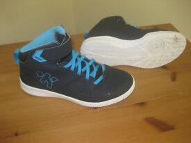 Decathlon Kipsta basketball shoes size 4 (37)