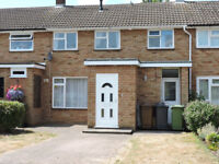 3 THREE BEDROOM HOUSE IN BOREHAMWOOD TO RENT