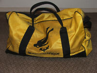 Snorkeling gear with holdall