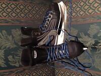 Skates - Size 6