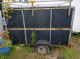 Box trailer with rack