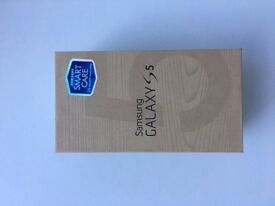 Samsung Galaxy S5 in box with all accessories SIM FREE UNLOCKED