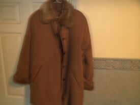 WOMENs LONG LENGTH WINTER COAT.