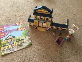 LEGO FRIENDS 41005 - HEARTLAKE HIGH SCHOOL