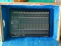 Behringer eurodesk 2442a with power supply