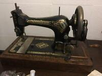 Vintage singer sewing machine 1909 beautifully decorated