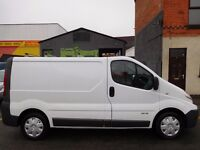 NO VAT! Renault Trafic SWB panel van with super rare up and over tailgate & 1 year MOT (24)