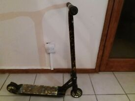 Grit Scooter - gold/black £100 ono