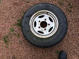 Landrover wheel and tyre