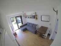 Lovely quiet 1 bedroom flat available in leyton, with off street parking and own entrance