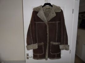 LADIES SHEEPSKIN COAT - SIZE 12-14 - FROM NURSEYS OF BUNGAY - EXCELLENT CONDITION