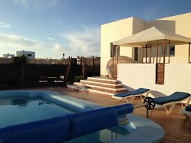 Lanzarote 4 Bed Villa with Private Pool and South Facing Terrace 20 min walk to Beach/Town