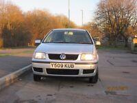 VW POLO 1.0L 2001 - BRAND NEW MOT