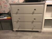 Shabby chic chest of 3 drawers