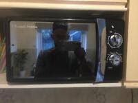 Black/chrome microwave