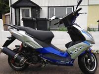 Pulse 125cc moped
