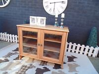 IKEA PINE TV STAND IN VERY GOOD CONDITION LOADS OF STORAGE 96/63/75 cm £45