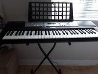 Keyboard organ Yamaha E203 portable with stand
