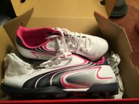 Sports Shoes Size 5