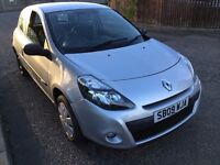 2009 Clio in silver,MOT 03/2017, 2 previous owners, only £ 2150