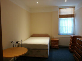 Ensuite double room in Redland