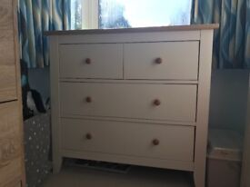 4 Drawer Chest and a Cupboard room from Mamas & Papas.In very good condition
