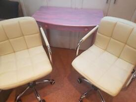 Nail table and chairs