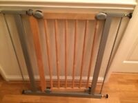 Pet barrier gate (suitable for keeping a pet out of a room)