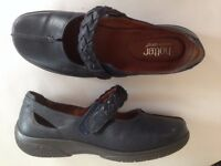 Hotter Shoes Ladies Size 6 1/2 Navy Leather