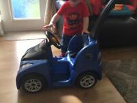Boys ride on car excellent condition used for 1 month Rrp £65.00
