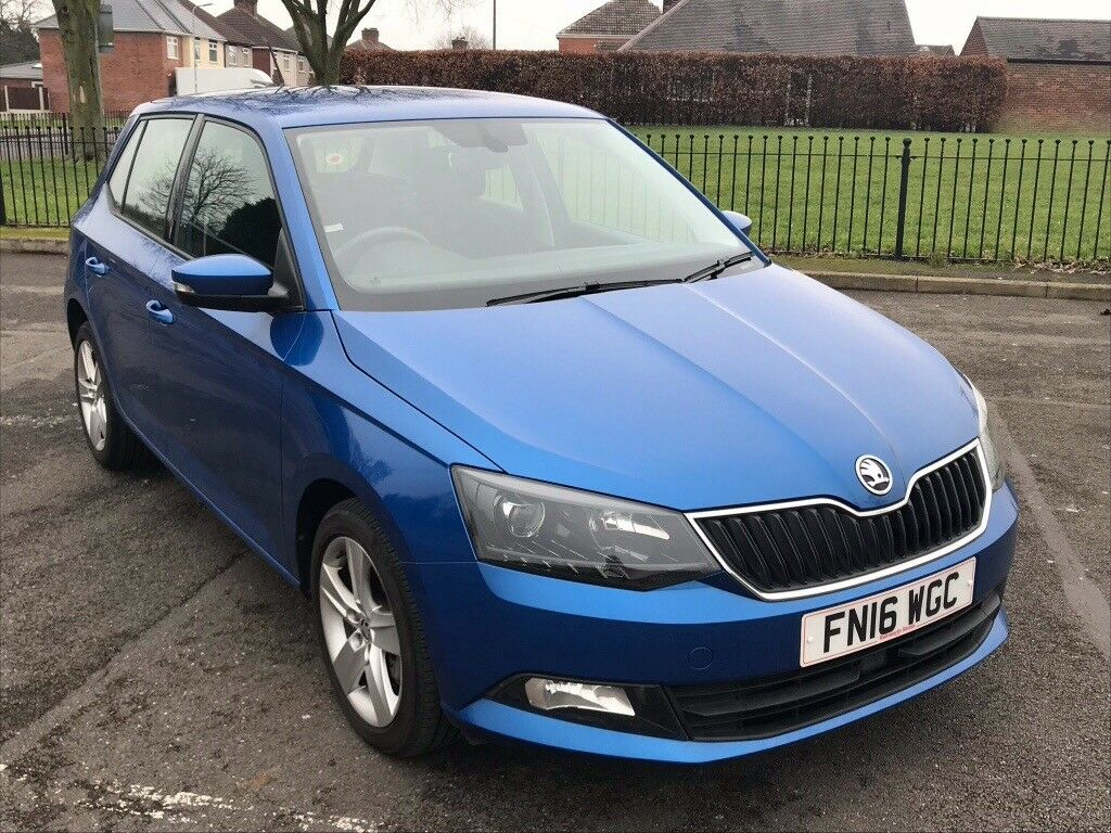 Skoda Fabia 1.2 (108 HBP) blue, under 2 years old