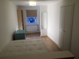 Modern and contemporary studio 10m walk to Fulham Brdw station £230 pw bills included