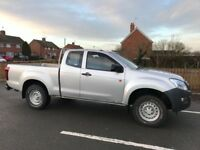 Isuzu d max extended cab 2013 ladder rack and checker plate load liner