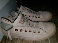 Converse size 4.5 leather Rose gold.