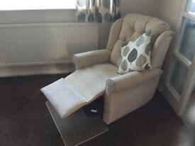 HSL Reclining Chair